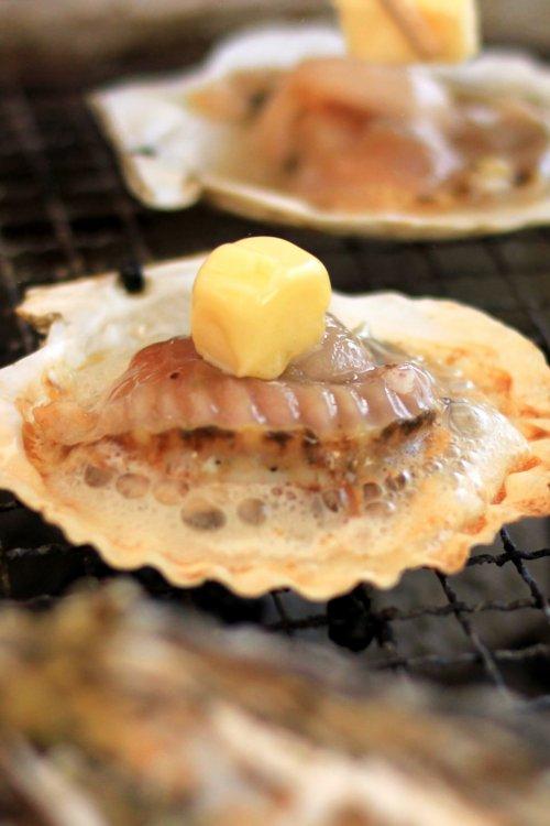 殻付きホタテバター焼き