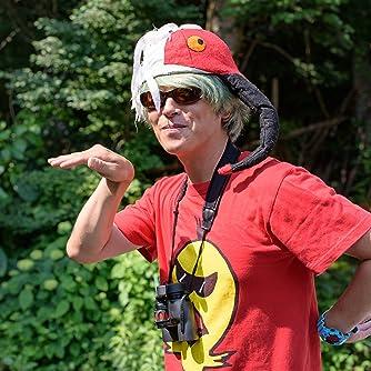 ♪鳥くん(永井真人):プロバードウォッチャー  日本初のプロのバードウォッチャー。小学校の頃から野鳥に興味を持ちはじめ、現在は鳥、環境問題のインタープリターとして、野鳥観察会ガイド、イベント出演、講演会、執筆、野鳥画像提供など幅広い活動を展開している。 小中学校での特別授業、国内はもとより、タイ、カナダなどのバードウォッチングツアーガイドなども務め、「比べて識別野鳥図鑑670第2版」(文一総合出版)、「鳥ビア」(アスペクト出版)、「バードウォッチングの楽しみ方」(趣味の教科書シリーズ/播えい出版)、「東京近郊野鳥撮影ガイド」(山と渓谷社)、「鳥の正面顔」(玄光社)ほか、鳥類関連書籍の監修、著書多数。 元作詞、作曲家、歌手。前職をいかし、「新潟市の鳥ハクチョウのテーマソング(ハクチョウの街)」など作詞作曲活動もしている。 千葉県我孫子市「鳥の大使」、鳥取県八頭町「八東ふる里の森大使」