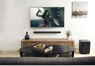 4K Ultra HD ブルーレイとサウンドバーがあれば本格的なホームシアターをご自宅で実現
