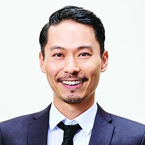 坂東 工(ばんどう たくみ): 司会進行役