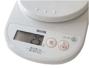 TANITA デジタルクッキングスケール 【0.5g単位の高精度】 ココナッツホワイト KD-189