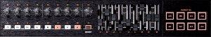 直感的なリアルタイム・コントロールを可能にする多彩な操作子を装備