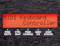 各種情報を確認しやすい液晶ディスプレイを搭載