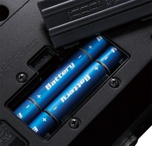 バッテリー駆動で最大15時間の長時間プレイが可能