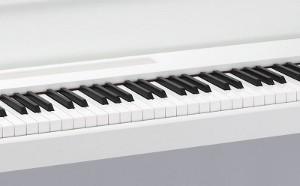 心地よいタッチを実現、リアル・ウェイテッド・ハンマー・アクション3鍵盤