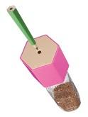 使い終わったペットボトルが電動鉛筆削りに大変身!