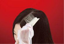 髪全体にも、気になる生え際や根元にもぬりやすい