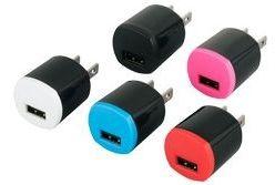 USB充電器(別売)を使ってコンセントからの電源供給に対応