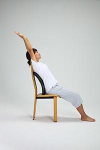 椅子に置いててを伸ばして使用