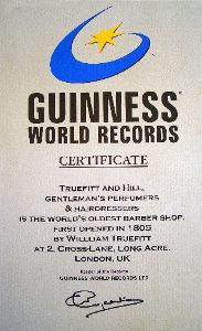 世界最古の理髪店として、ギネスブックが認定。