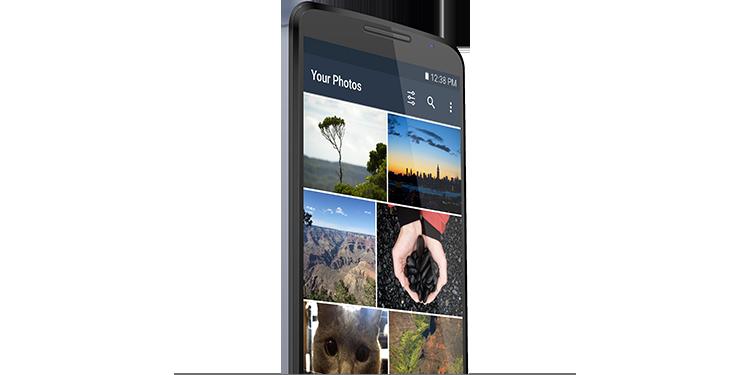 スマートフォンの空き容量を確保。写真を無制限にアップロードして、その写真をスマートフォンから安全に削除できます。