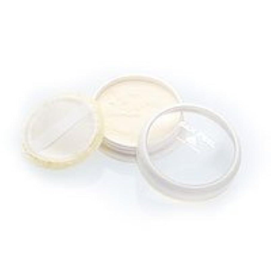 ぬいぐるみ一免除するシルクフィール シルクフィールフェイスパウダー 6g (シルクパフ付き)
