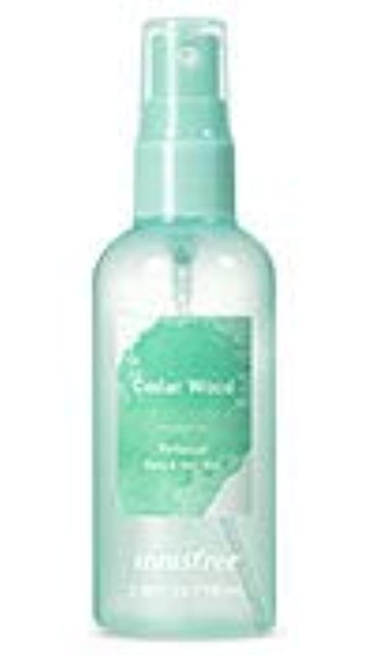 ディレクターマット雰囲気[イニスフリー.innisfree]パフュームドボディ&ヘアミスト100mL/ Perfumed Body&Hair Mist (cedar wood)
