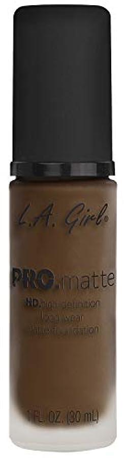 回転復活する光電L.A. GIRL Pro Matte Foundation - Chestnut (並行輸入品)