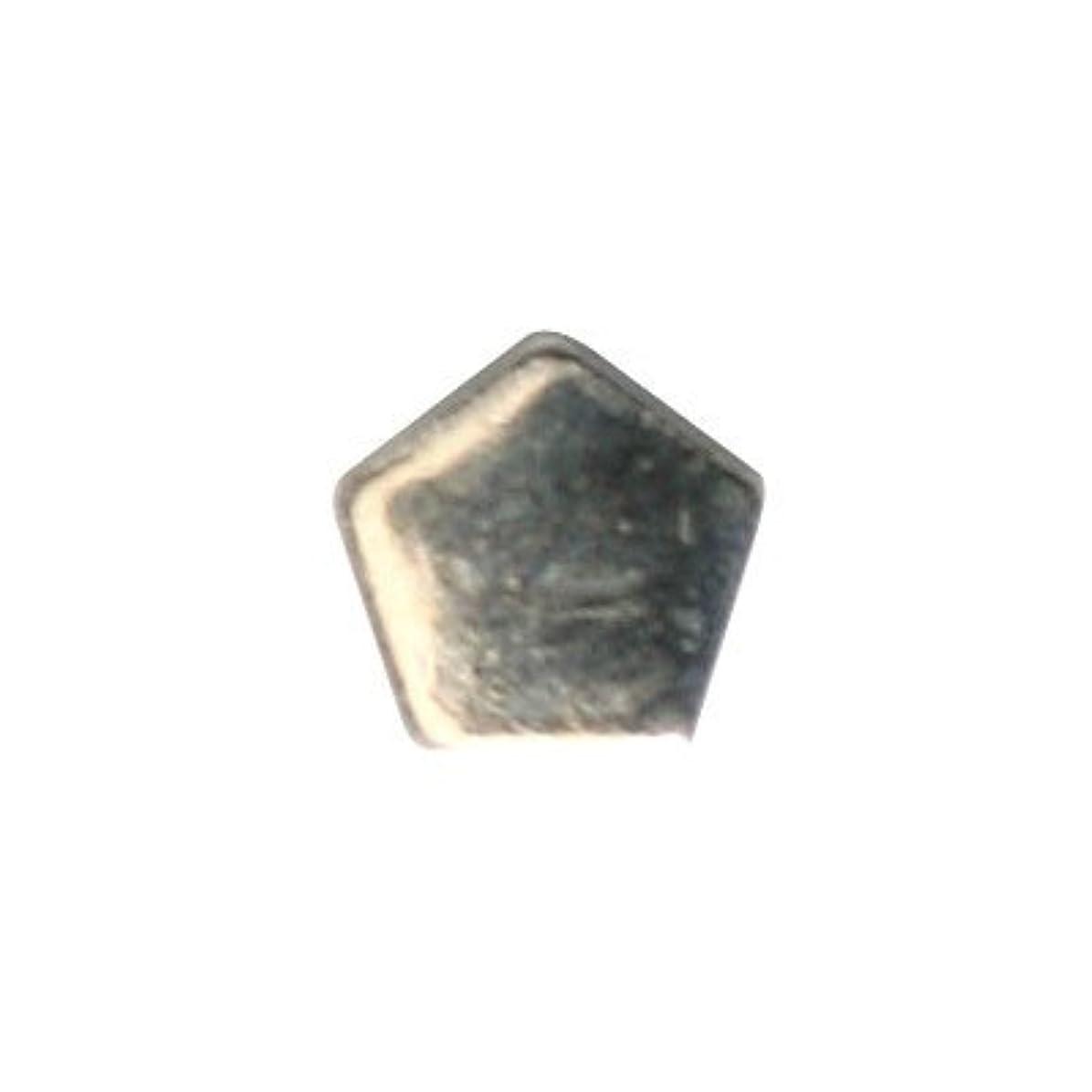 地殻知り合いになるワットピアドラ スタッズ ペンタゴン 3mm 50P シルバー