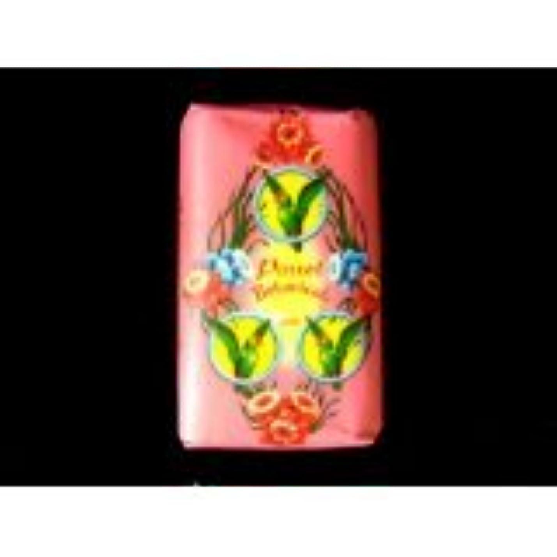 性格変な地域新しいオウムBotanicals Refreshing自然花フローラルFragrance Soap 80 gタイの製品