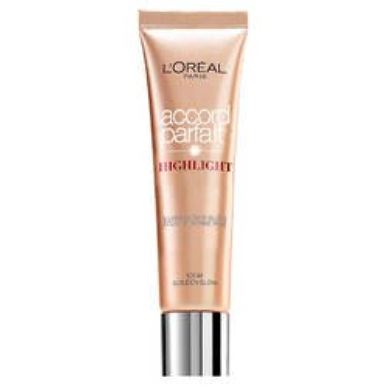 クルーズ吹きさらしパイL 'Oréal Paris Accord Parfait Highlight Enlumineur Liquide 101 Dore