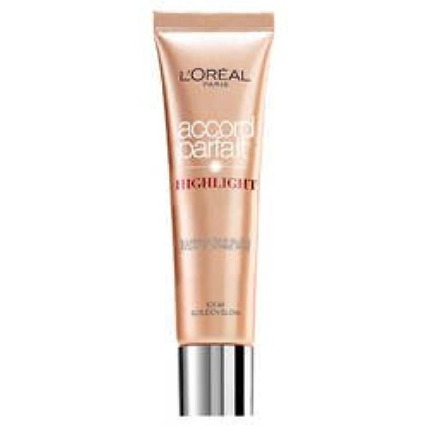 枝盲信ウサギL 'Oréal Paris Accord Parfait Highlight Enlumineur Liquide 101 Dore