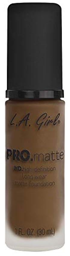 姿勢市の花同化するL.A. GIRL Pro Matte Foundation - Soft Sable (並行輸入品)