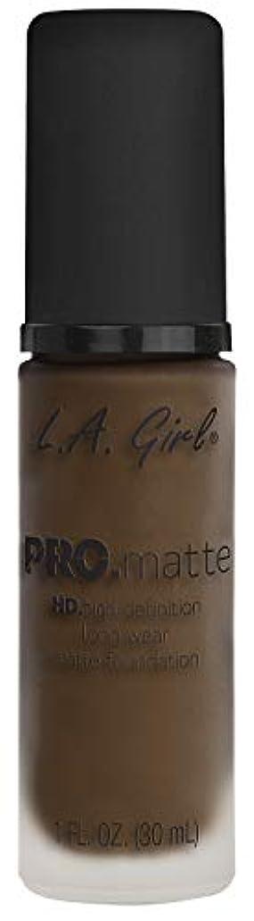 のヒープ反論者抑制するL.A. GIRL Pro Matte Foundation - Chestnut (並行輸入品)