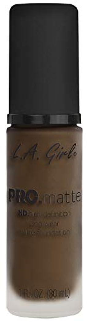 アカデミー尋ねる有名L.A. GIRL Pro Matte Foundation - Chestnut (並行輸入品)