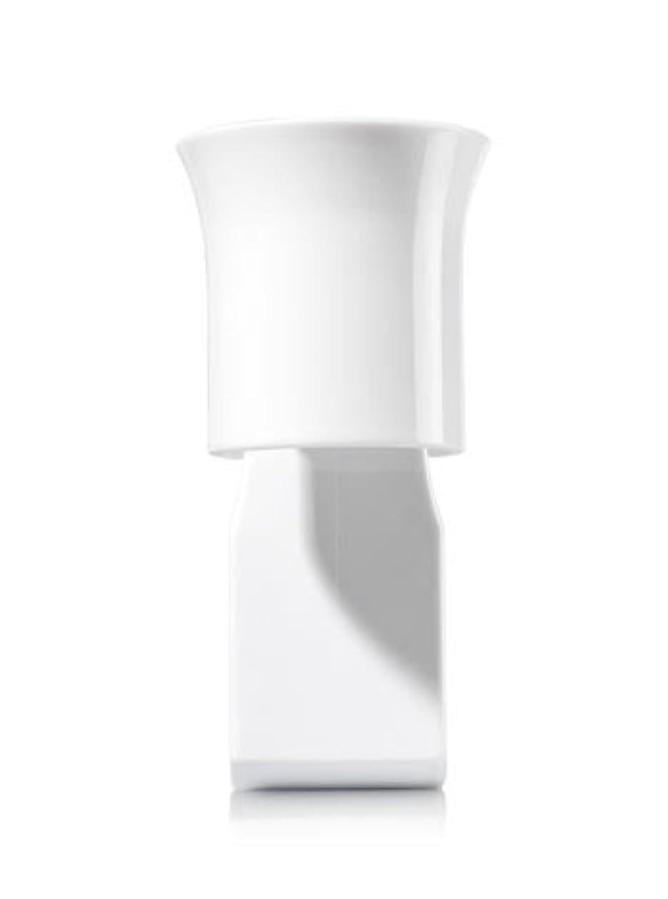 ニッケルパットバッジ【Bath&Body Works/バス&ボディワークス】 ルームフレグランス プラグインスターター (本体のみ) ホワイトフレアー Wallflowers Fragrance Plug White Flare [並行輸入品]