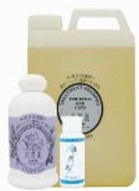 化学合成の蛍光剤、漂白剤は無添加。天然成分による蛍光効果が白さを輝かせ、艶やかな被毛に仕上げます。汚れが目立ちやすく、シャンプー頻度の高い白毛種でも安心してお使い頂けます。※濃縮タイプ3~15倍希釈◆プードル(ホワイト)、ウエストハイランドテリア、ビジョンフリーゼなどの白毛種