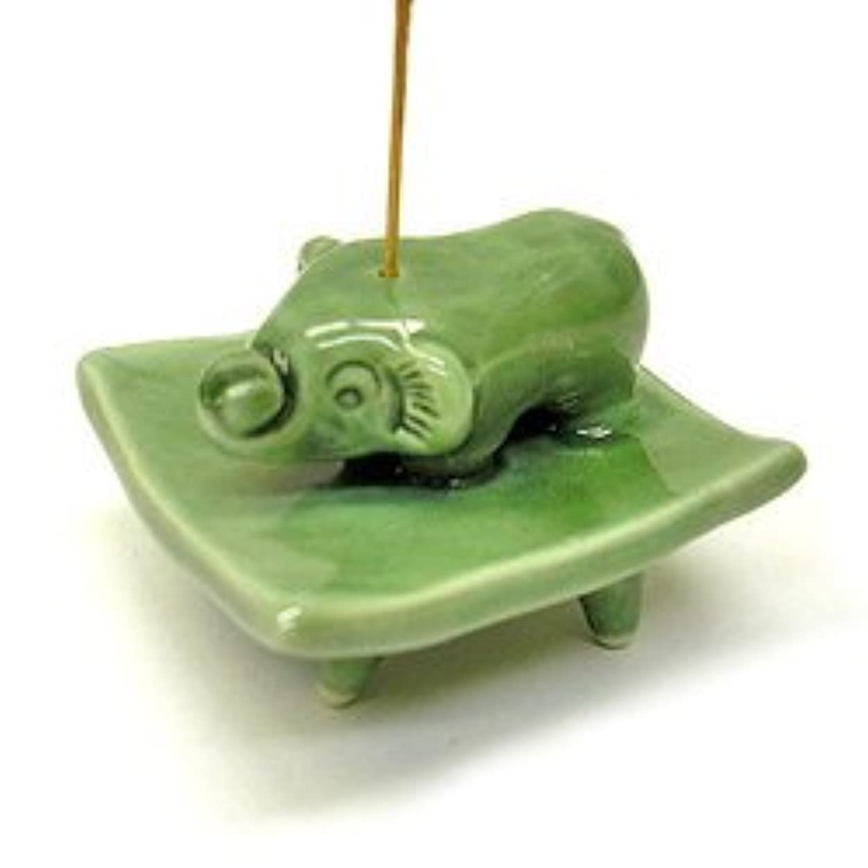 咽頭ロック解除光沢のあるお皿に乗った象さん お香立て<緑> インセンスホルダー/スティックタイプ用お香立て?お香たて アジアン雑貨