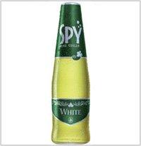 タイで大人気のスパークリングワイン SPYホワイト 275ml