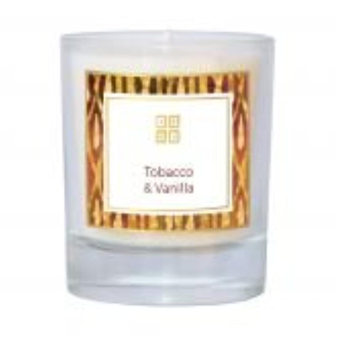 オートマトンビル値Tobacco &バニラ香りのキャンドル 7 oz ホワイト 502-08851
