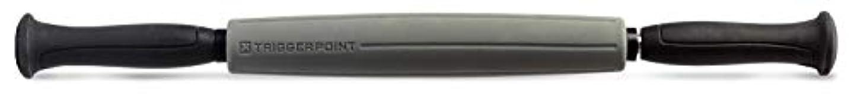 普遍的な十コイルTriggerPoint Performance STK Sleek Massage Stick for Muscle Relief, 46cm