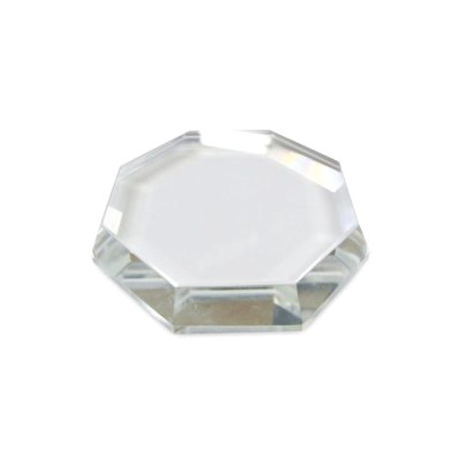眠っている甲虫代わりにを立てる[まつげエクステ]クリスタルグループレート〈ガラス製〉八角形 55mm