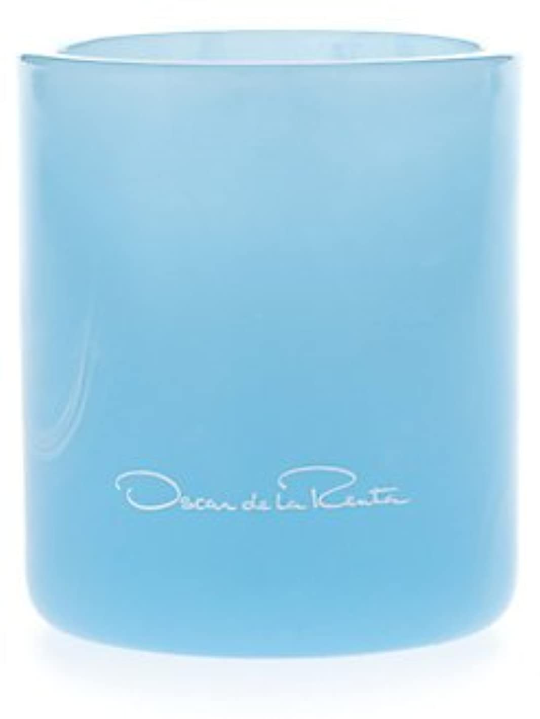 おもしろい大通り大胆Something Blue (サムシング?ブルー) 7.0 oz (210ml) Candle by Oscar de la Renta for Women