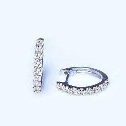 [ラグジュエリー][Lugejewelry]K18 0.2ctエタニティダイヤモンドフープピアス 細美ライン [K18WG][K18ホワイトゴールド]【ギフトラッピング済み】【保証書付】