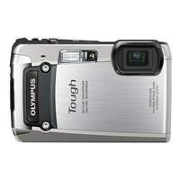 Olympus Digital Camera TG-820 Silver (Old Model) by Olympus