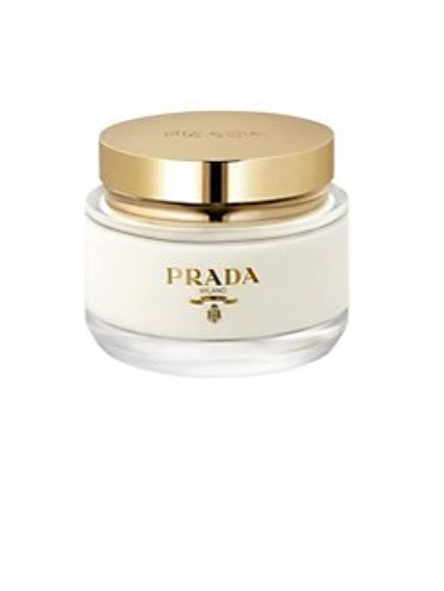 熱心な開拓者ライドLa Femme Prada (ラ フェム プラダ) 6.7 oz (200ml) Body Cream for Women