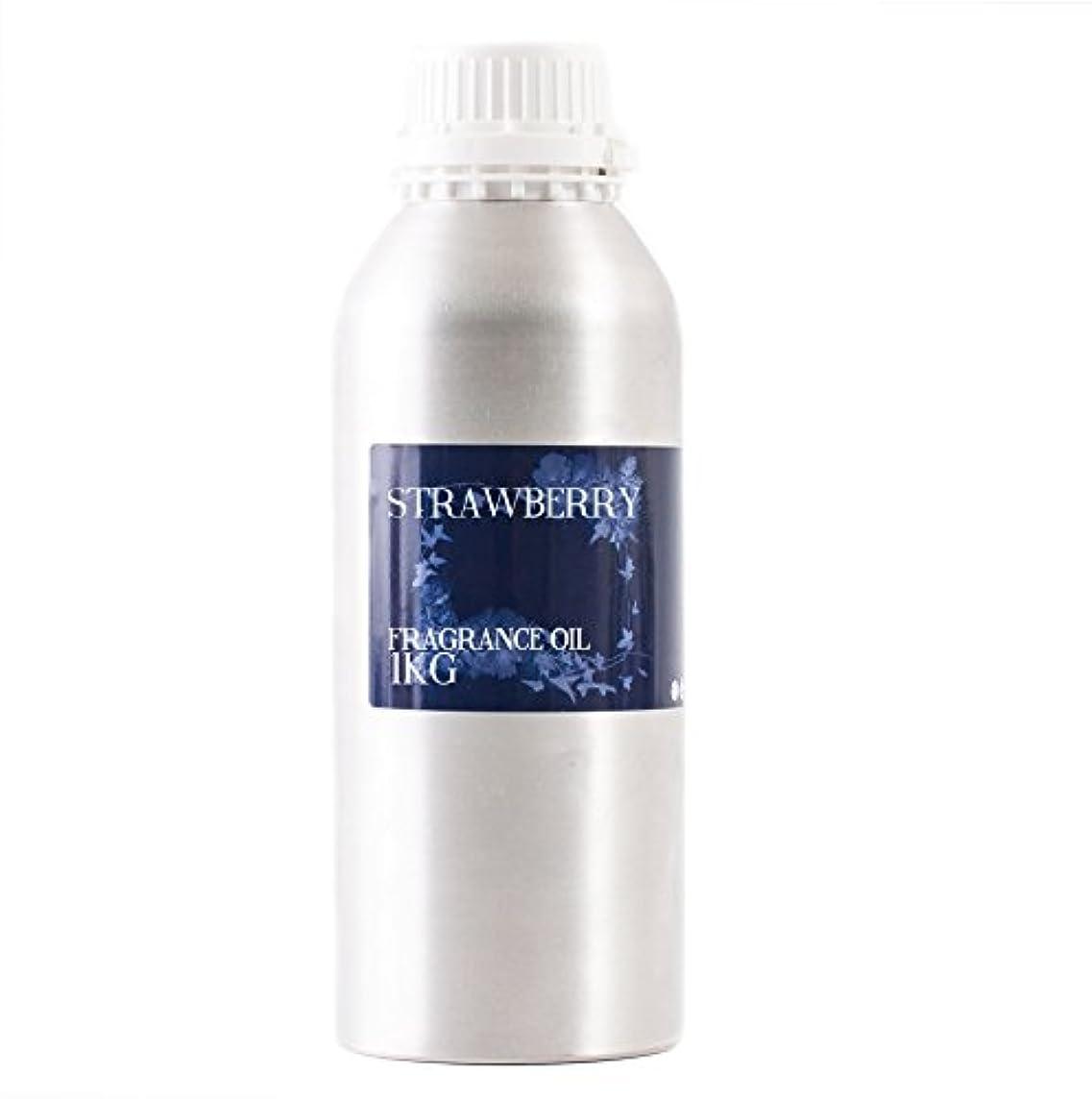 チョップ作る買うMystic Moments   Strawberry Fragrance Oil - 1Kg