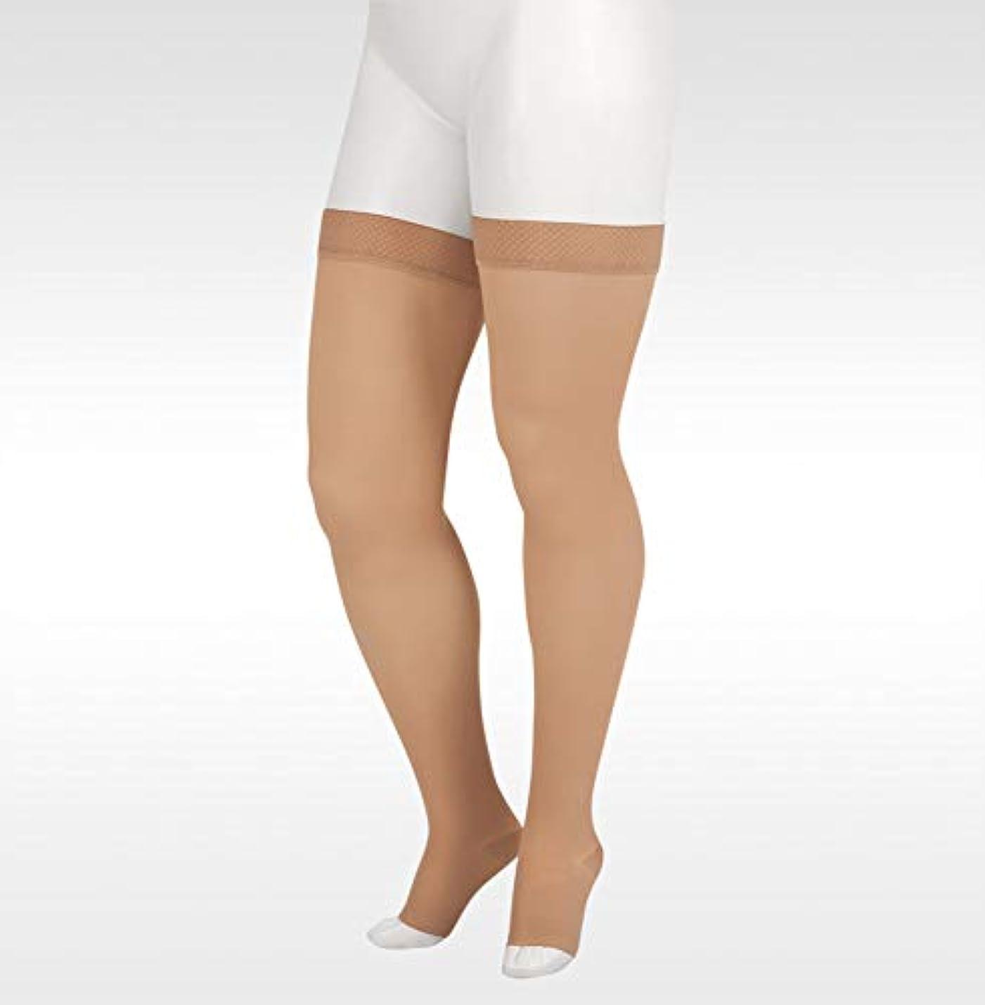 継続中祖母重要な役割を果たす、中心的な手段となるJuzo Soft Thigh High With Silicone Dot Band 30-40mmHg Open Toe, IV, Beige by Juzo