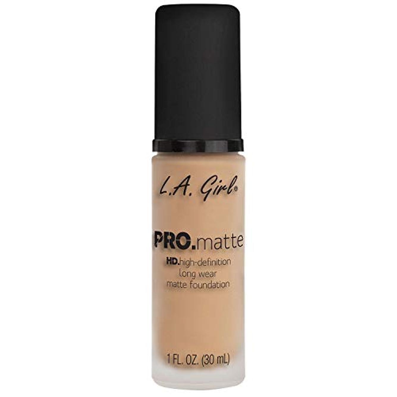まどろみのあるマグブルゴーニュ(6 Pack) L.A. GIRL Pro Matte Foundation - Nude (並行輸入品)