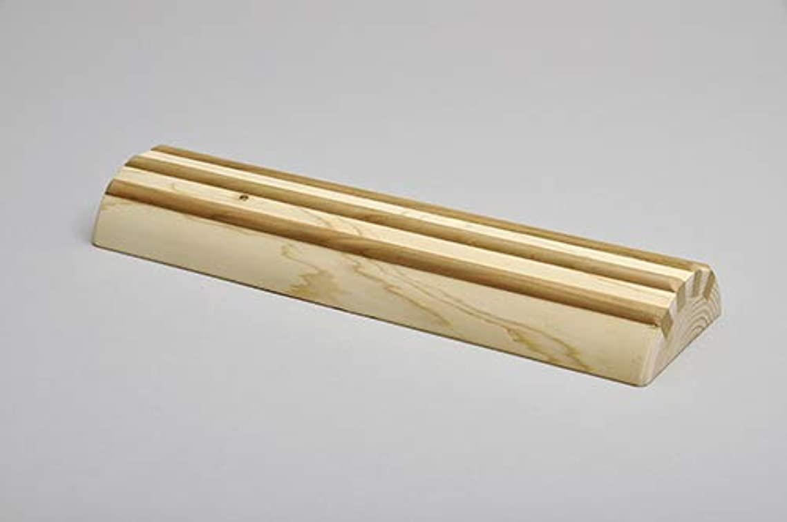 カビ振るう有益酒井産業 ヒノキ間伐材足踏み 約30×9×高3.7cm 耐荷重/約120kg マッサージ ツボ押し 国産
