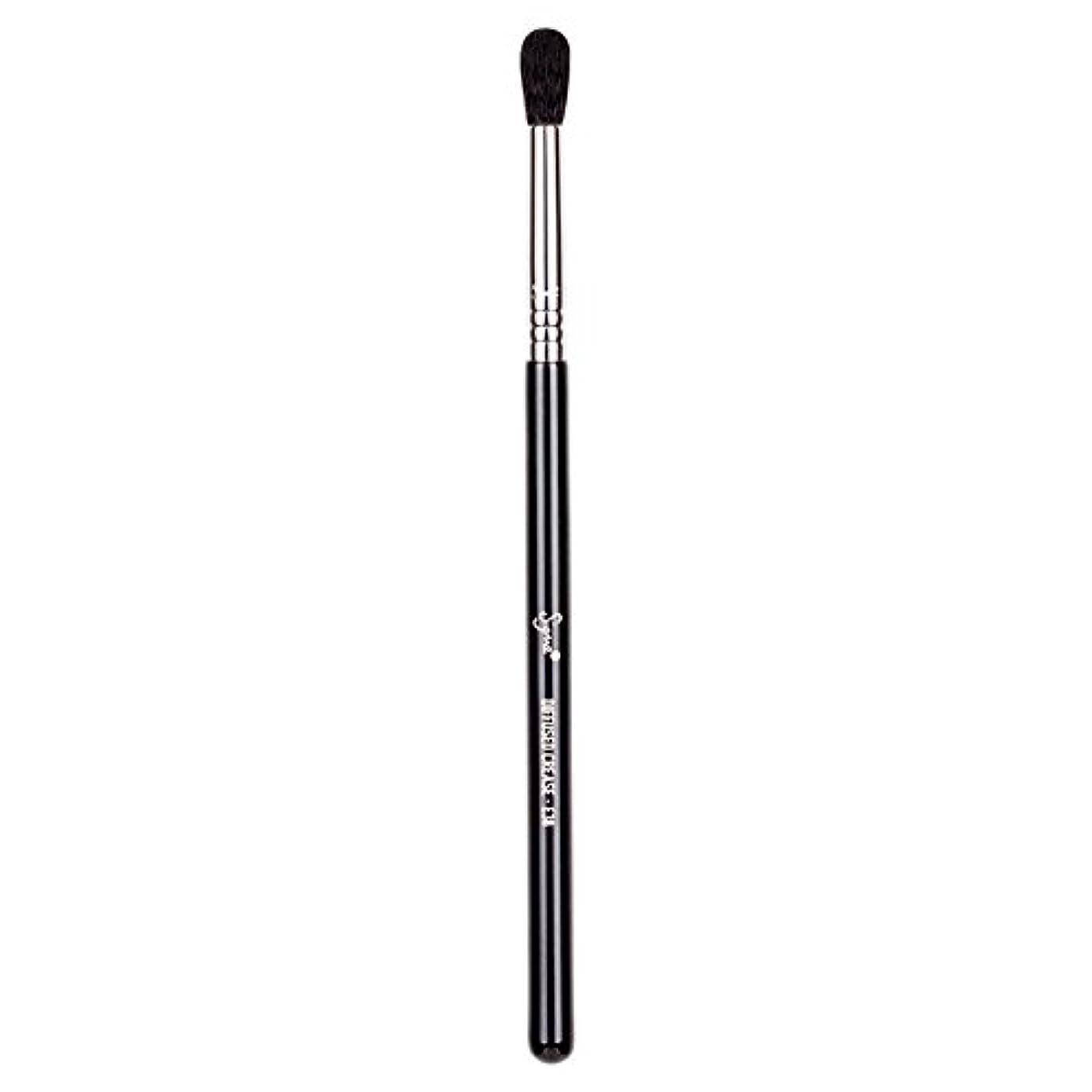 法廷サイクル抵抗力があるSigma Beauty E38 Diffused Crease Brush -並行輸入品