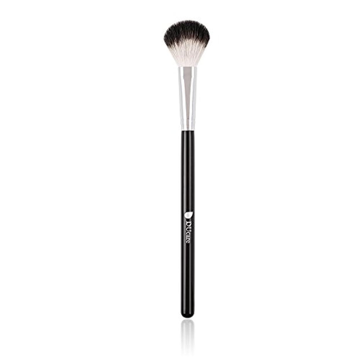 調停するラジウム雑品DUcare ドゥケア 化粧筆 ハイライトブラシ 白尖峰を100%使用 ハイライト&チーク&パウダー用
