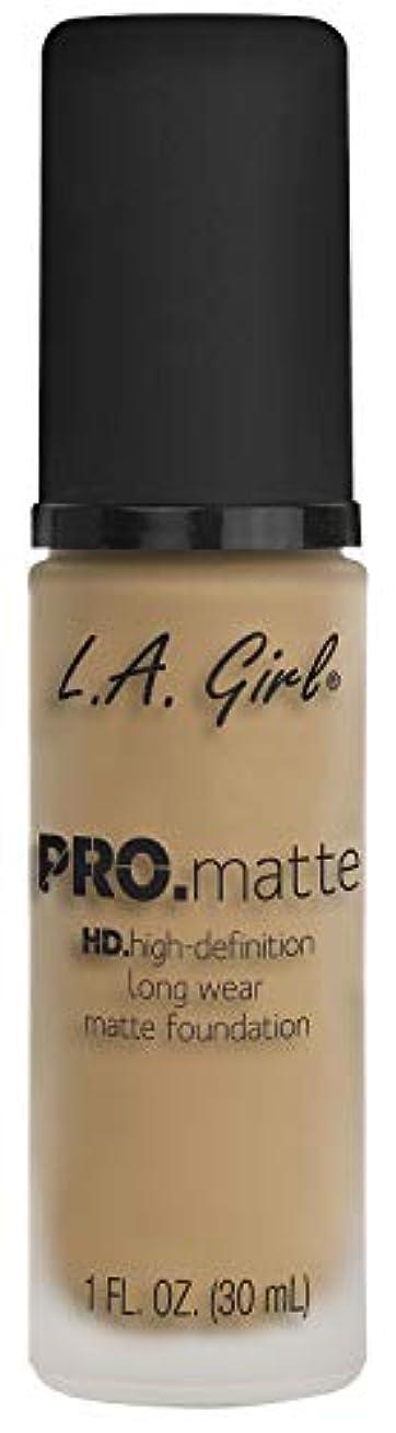全体ケント知覚できるL.A. GIRL Pro Matte Foundation - Sandy Beige (並行輸入品)