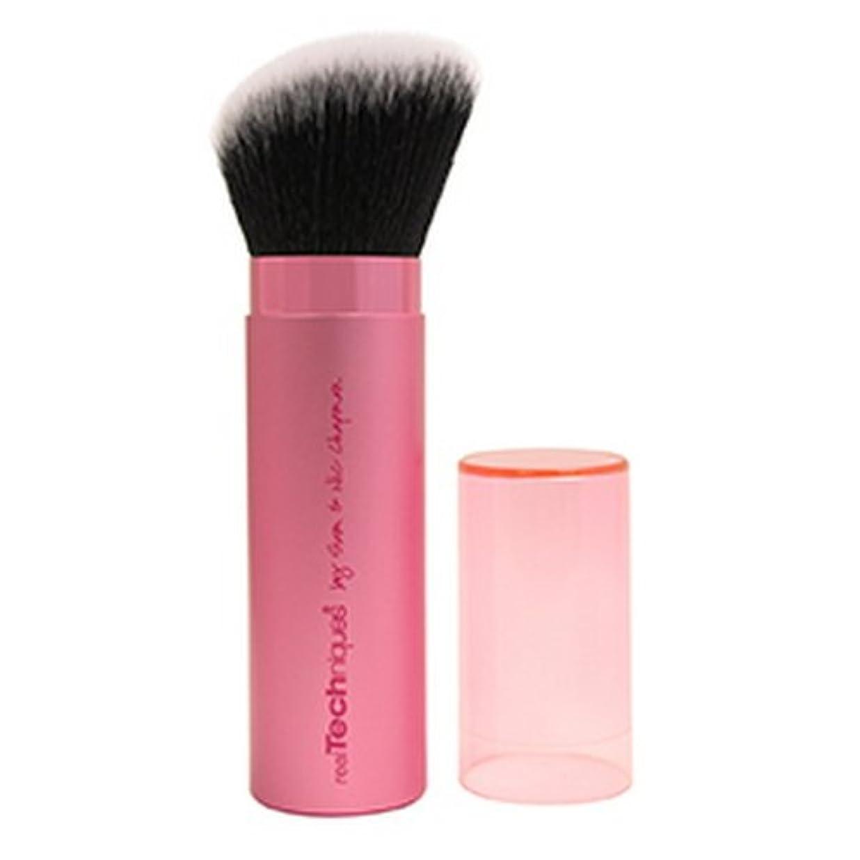 代わりにを立てるはっきりと知るReal Techniques Retractable Kabuki Brush - Pink (並行輸入品)