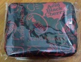 トラベルバッグ赤 Acid Black Cherry...