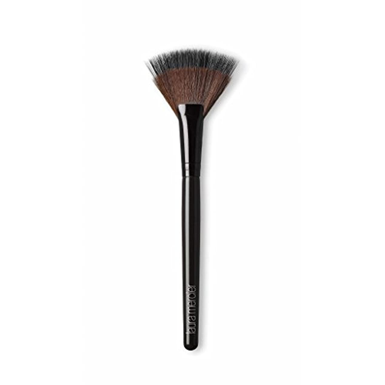紛争サイドボード風刺Laura Mercier Fan Powder Brush
