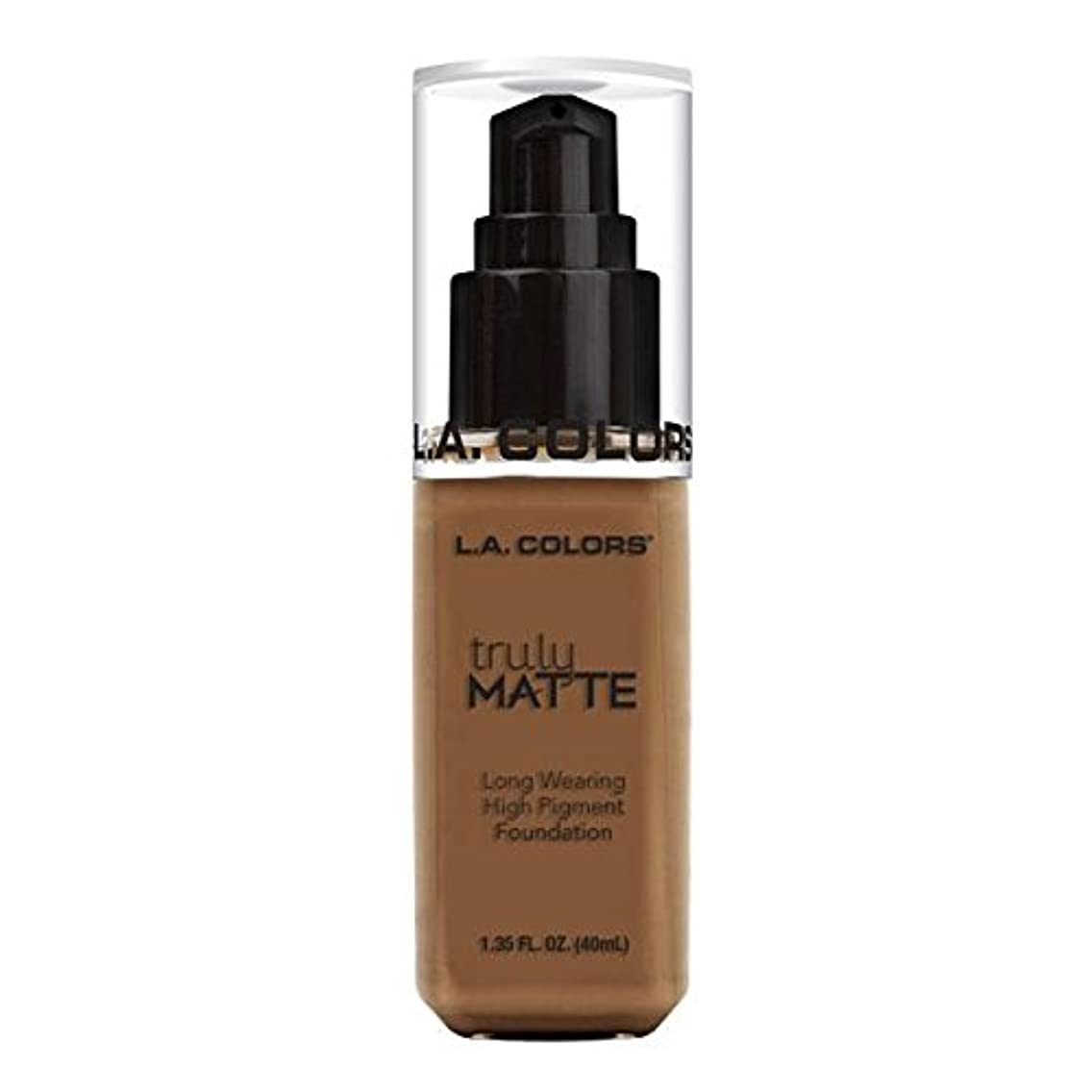 強化するお風呂説明的(3 Pack) L.A. COLORS Truly Matte Foundation - Cappuccino (並行輸入品)