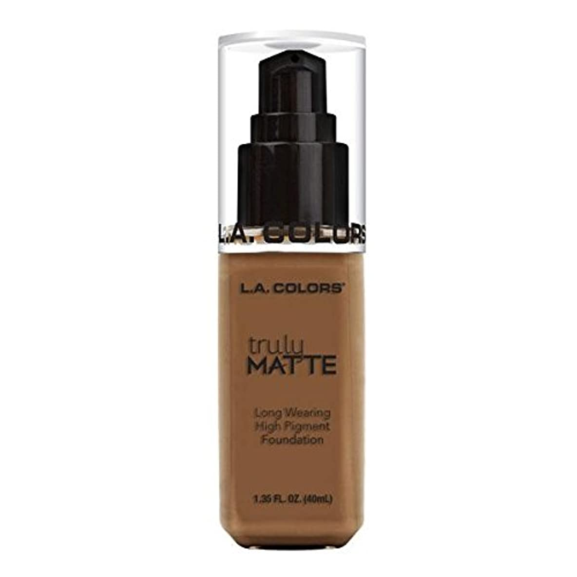 スリッパ自殺服(6 Pack) L.A. COLORS Truly Matte Foundation - Cappuccino (並行輸入品)