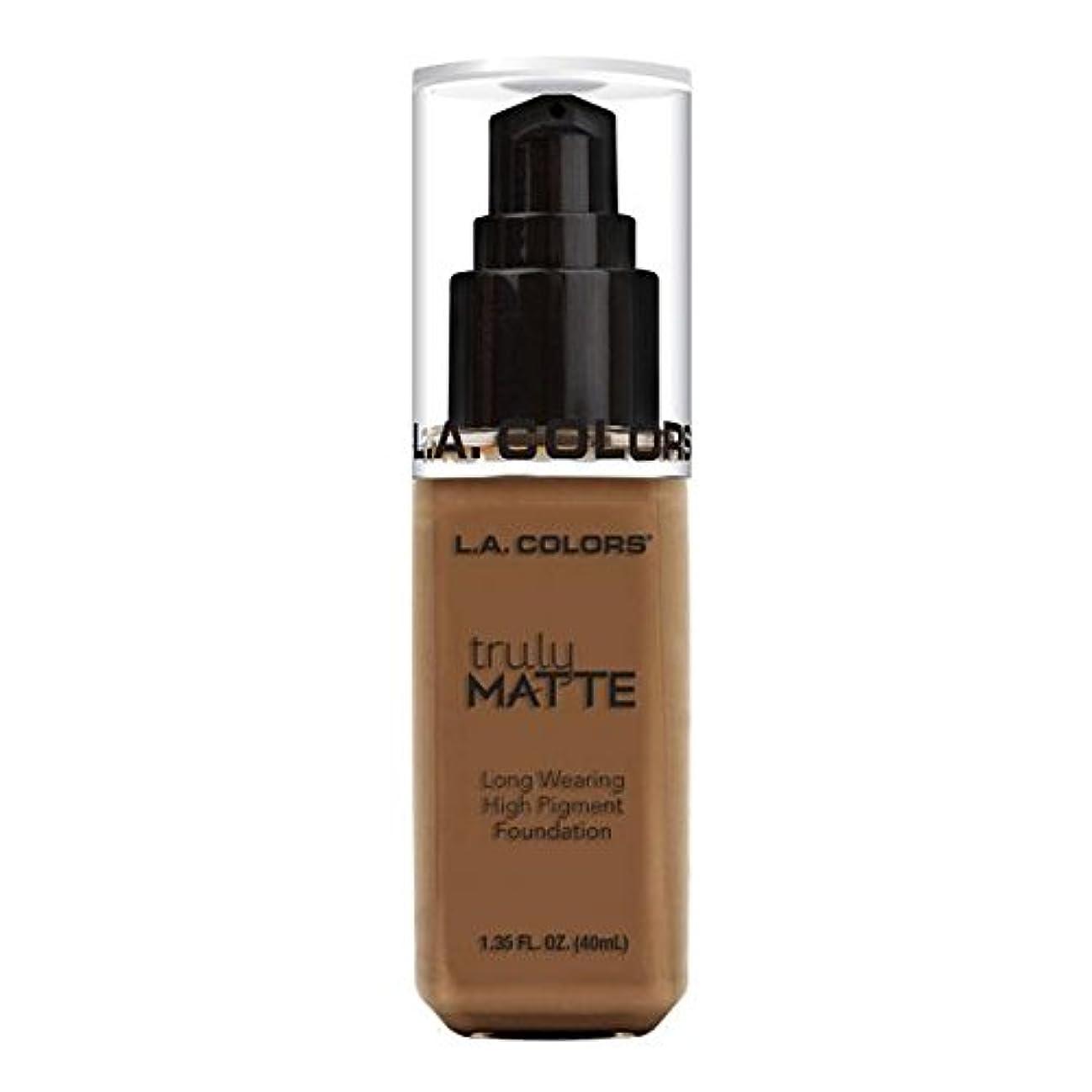 哲学者事前に幸運な(6 Pack) L.A. COLORS Truly Matte Foundation - Cappuccino (並行輸入品)