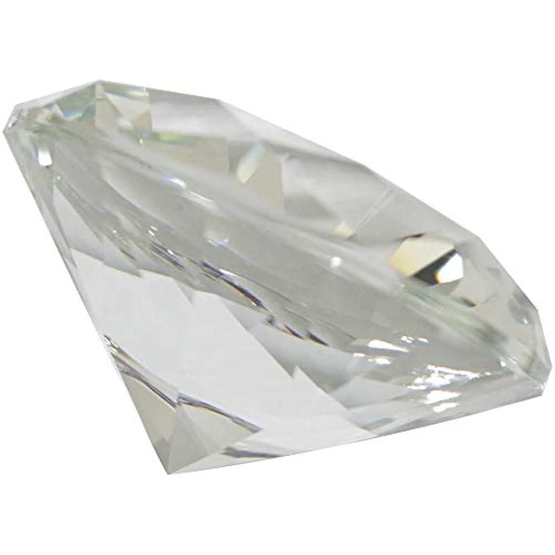 モード移動するレイMATIERE ダイヤモンド型ガラスオブジェ100m